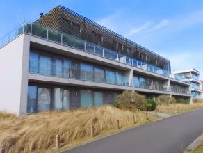 Zeer recent luxe duplexappartement !Moderne architectuur (Marc Corbiau).Vlakbij het strand en de zeilclub.Zeer grote zonneterrassen aan alle gevels.Tw
