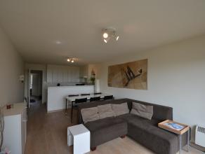 Dit verzorgde appartement is gelegen tussen de Albert I-laan en de zee. Het appartement is vernieuwd en heeft ruime balkons. De woning kijkt uit over