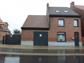Deze ruime vernieuwde woning is gelegen te Ichtegem en bestaat uit: inkomhal - eetplaats - salon - keuken - terras - grote tuin - oprit - wasplaats -