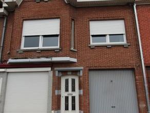 Deze woning is gelegen in de Noordlaan en bestaat uit: inkomhal - living - keuken - terras - tuin - wasplaats - kelder - afzonderlijk toilet - garage