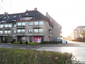 Zeer ruim en verzorgd duplexappartement met alle comfort met 2 grote terrassen. 1 of 2 garages mogelijk aan 60 EURO per maand per garage. Maandelijkse