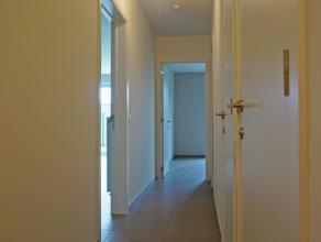 Nieuwbouwappartement met 2 ruime slaapkamers in residentie Lambert. Dit ruim en lichtrijk appartement vinden we terug op de gelijkvloerse verdieping i
