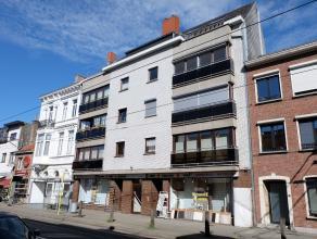 Dit appartement is gelegen op wandelafstand van de Vrijdagsmarkt en Sint-Jacobs, in de nabijheid van vele winkels en openbaar vervoer. Via de inkomhal