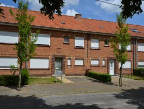 Opvallend ruime gezinswoning te koop in centrum Roeselare, ideaal voor investeerder of als renovatieproject. De woning bevindt zich in een rustige woo