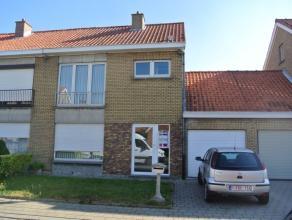 Deze woning werd volledig gerenoveerd en heeft een goeie ligging: dicht bij het centrum van Roeselare, nabij het Sterrebos entevenseen&nbs