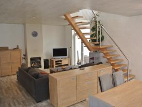 Halfopen woning in centrum Rumbeke.Deze ruime instapklaregezinswoning is voorzien van een lichtrijke leefruimte met open keuken, zonnige en ruime tuin