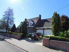 Ref : 5268 Prijs : euro 975 Adres : Pieter De Coninckstraat 44, 8800 Roeselare Aantal slaapkamers : 3 Aantal badkamers : 2 Garage : 1 Bewoonbare opp.