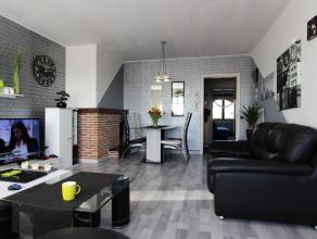 Dit 2-slpk appartement mét garagebox is gelegen op wandelafstand van het station en biedt u een panoramisch zicht over de stad! Het appartement