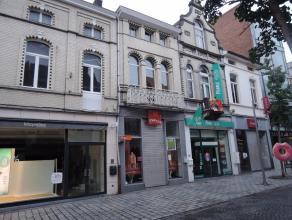 Winkelpand in 'TOP' straat van Roeselare, Ooststraat!