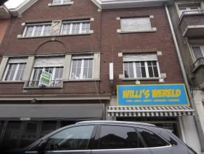 Centraal gelegen woning te Roeselare, met drie slaapkamers.
