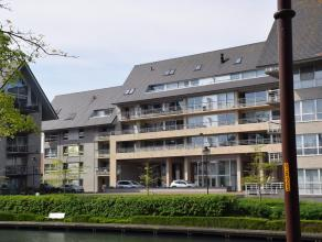 Modern en smaakvol ingericht appartement met zicht op de Kleine Bassin en op wandelafstand van het centrum. Voor wie rustig wil wonen met ver zicht en