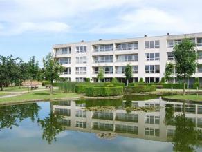 BEVERSESTEENWEG 57/5 - ROESELARE Appartement in oase van groen, op wandelafstand van het centrum en het station. Gelegen op het eerste verdiep van de