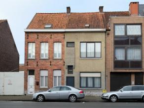 Karaktervolle rijwoning met historische façade die volledig gezandstraald is - nieuwe vensters en voordeur<br /> Gelijkvloers (nieuwe vloeren):