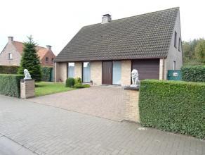 Prachtige villa met 4 slaapkamers en grote tuin !!Op een steenworp van Roeselare bevindt zich deze ruime villa met 4 slaapkamers.Liggend op een percee