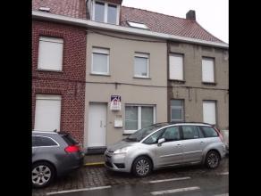 OPENHUIZENDAG op 11 maart 2017 van 10u15 tot 11uInstapklare woning met 3 slaapkamers & ruime garage. bestaande uit:* gelijkvloers: inkomhal met ga