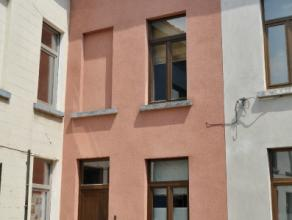 Gezellige woning in een levendige buurt bestaande uit : ruime living met open keuken, toilet, badkamer, 2 slaapkamers en zonnig terras. De woning heef