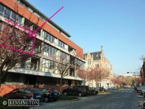 Mooi en gunstig gelegen 2 slaapkamers appartement, met eiken parket, 2 terrassen, garagebox op -1 (met berging) . Kan indien gewenst ook aan een venno
