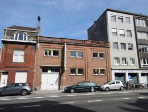 Uniek wooncomplex bestaande uit een statig, authentiek en ruim herenhuis, aansluitend een werkplaats (heden drukkerij) kan dienen als handelsruimte of
