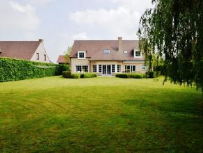 Deze stijlvolle, ruime en recente landelijke villa is gelegen in een uiterst residentiële omgeving te Drongen op een Zuidgericht perceel van 1.23
