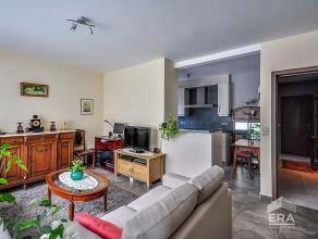 Op een charmante locatie te Waarschoot ontmoet u dit gezellig gelijkvloers appartement met knusse tuin waar de paarden uw buren zijn!Bij binnenkomst o