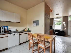 Ideale woning met 5 slaapkamers op toplocatie nabij UZ Gent. Gelegen nabij de belangrijkste invalswegen (E40-E17), de campussen en het Sint-Pieterssta