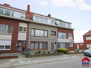 Instapklaar appartement op het gelijkvloers met inkom, lichtrijke leefruimte, bijkeuken, grote berging/wasplaats, keuken, slaapkamer, badkamer, zonnig