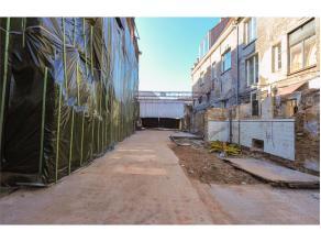 Oppervlakte van 187 vierkante meter met brede gevel op de Groentenmarkt vlakbij Gravensteen en Graslei. Dit is vergund voor het verbouwen van een wink