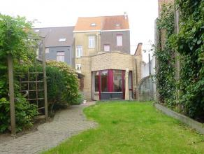 Gent - Kortrijksesteenweg (op 7 min wandelen van Sint-Pietersstation): Mooie rijwoning met tuin en kleine handelszaak/mogelijkheid tot berging ad stra
