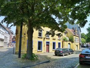 Gent- Sluizekenkaai 1: Historisch pand uit de 16e, 17e en 18e eeuw met garage, rustig doch zeer centraal gelegen (hartje centrum, vlakbij Patershol).