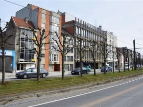 Gent - Martelaarslaan 250: Instapklaar 2 slpk appartement aan Martelaarslaan R40 - tussen Coupure, Bijloke, en Watersportbaan - met tramhalte (lijn 2