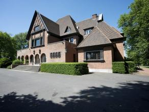 Kasteelvilla (1.076 m²) aan de oevers van de Leie, in het residentiële Leiepark, te koop te Sint-Denijs-Westrem (Gent), vlakbij E40/E17/EXPO