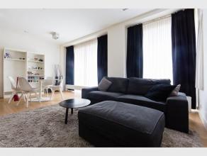 Dit mooi afgewerkt appartement bevindt zich in hartje van de Gentse studentenbuurt. Dit appartement (70m²) bestaat uit inkom met berging, living