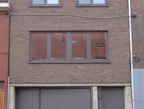 Kwaliteitsvolle instapklare lichtrijke bel-etage woning met garage en stadstuin.<br /> Deze stijlvolle volledig gerenoveerde woning bestaat uit:<br />