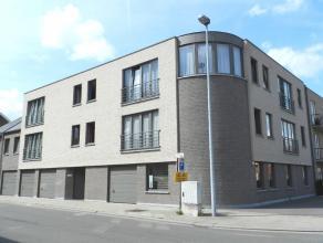 """Zeer mooi rustig gelegen instapklaar ruim appartement op tweede verdieping in de residentie """"Winterjasmijn"""".<br /> Dit appartement met garage omvat :<"""