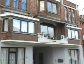 Centraal en mooi gelegen ruim appartement met groot terras en staanplaats.<br /> Dit appartement is gelegen op de tweede verdieping en omvat :<br /> P
