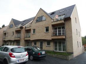 Zeer mooi gelegen nieuwbouwresidentie recht tegenover het Provinciaal domein Den Blakken. Dit duplex appartement is gelegen op de tweede en derde verd