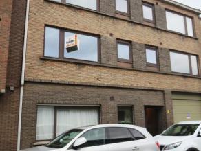 Herderstraat 10 bus 2 te Sint-Niklaas.In het stadscentrum gelegen instapklaar appartement met inkomhal, ruime living, ingerichte keuken met toestellen