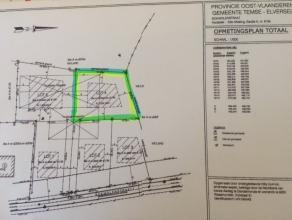 In het landelijke Elversele bieden wij u deze bouwgrond aan voor open bebouwing. Gelegen op 2de bouwlijn, toegang via mooi aangelegde dreef. Circa 129