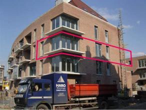 Prachtig nieuwbouwappartement op de 2de verd met lift, ondergrondse staanplaats met berging, kelder. App circa 87 m², terras circa 18 m².Moo