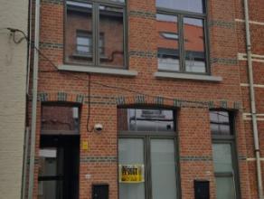 Dendermonde, Leo Bruynincxstraat 46 (gelijkvloers).Hartje Dendermonde gelegen volledig gerenoveerd supergezellig appartement met 1 slaapkamer en terra
