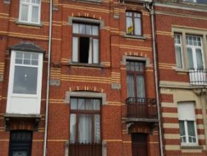 Dendermonde, Kerkstraat 78 bus 4.Centraal gelegen volledig gerenoveerd knus appartement met 1 slaapkamer. Enkel geschikt voor 1 persoon.Indeling:Inkom