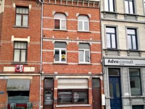 Dendermonde, Werf 3 bus 1. In het hart van de stad gelegen gezellig appartement met 1 slaapkamer. Ideaal voor alleenwoner. Hall die uitgeeft op de keu