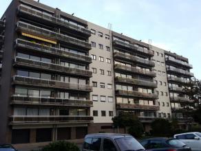 Dendermonde, De Dammenlaan 188 bus 40. ?Residentie Erasmus? 3e verdieping ? linker deel.Zeer rustig gelegen gezellig appartement met ruim terras aan v