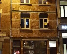 Dendermonde, Werf 3 bus 2 (2e verdieping).In het hart van de stad gelegen gezellig appartement met 1 slaapkamer.Indeling:Vooraan de woonkamer met uitz
