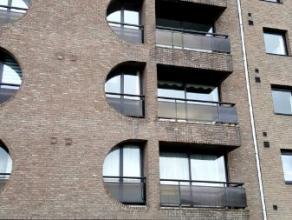Dendermonde, Noordlaan 105 bus 7.<br /> Gezellig gelijkvloers appartement met 1 slaapkamer.<br /> Indeling:<br /> Inkom. Aan de straatzijde de woonkam