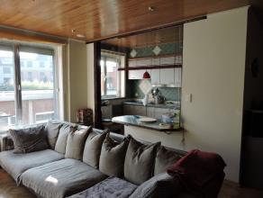 Centraal gelegen appartement vlakbij het handelscentrum van Dendermonde en openbaar vervoer. Op het eerste verdiep bevindt zich dit appartement. Het o