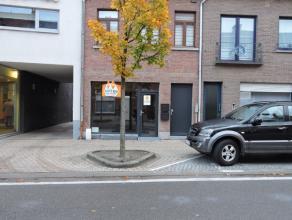 In het centrum van Sint Gillis bij Dendermonde staat deze ruimte te huur. De ruimte is nog vrij in te richten. Er is parkeergelegenheid voor de deur.