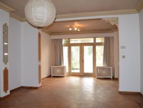 Handelswoning in het centrum van Bornem met een perceeloppervlakte van 360 m. De woning met een vloeroppervlakte van 260 m heeft een handelsruimte met