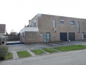 Te Oudegem, gelegen in een kindvriendelijke woonwijk, vindt u deze gerenoveerde woning. De instapklare woning is voorzien van alle hoofdzakelijk moder