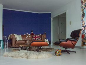 Te Dendermonde bevindt zich dit ruim gelijkvloers appartement. Verder omvat het appartement een lichtrijke leefruimte met ingebouwde kasten en een ope